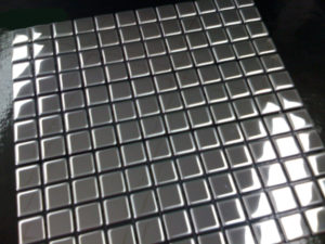 Glomesh Stainless steel mosaic tile perfect for kitchen and bathroom splashbacks