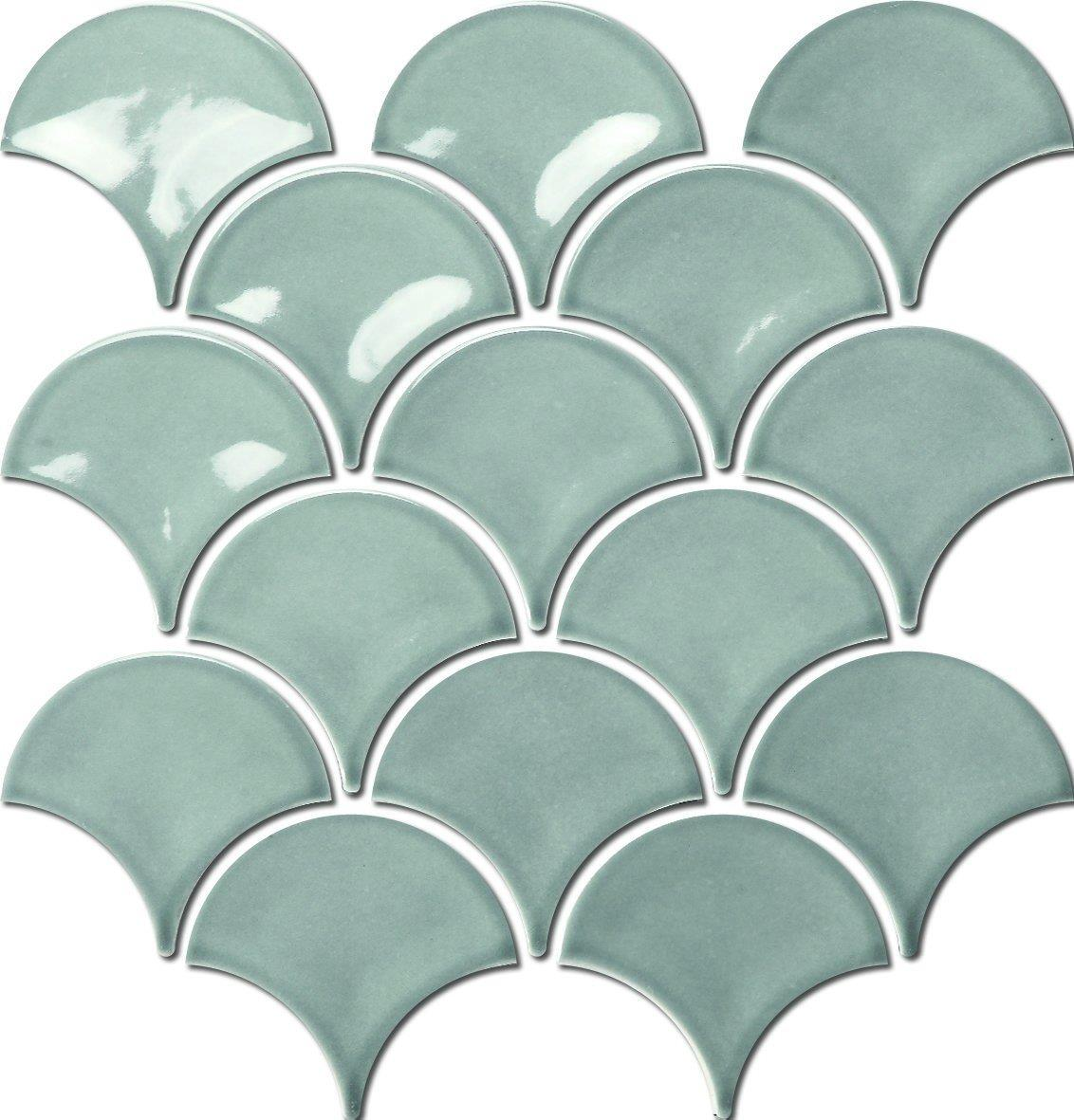 These white mosaic fish scale tiles are perfct for use in any bathroom or kitchen.